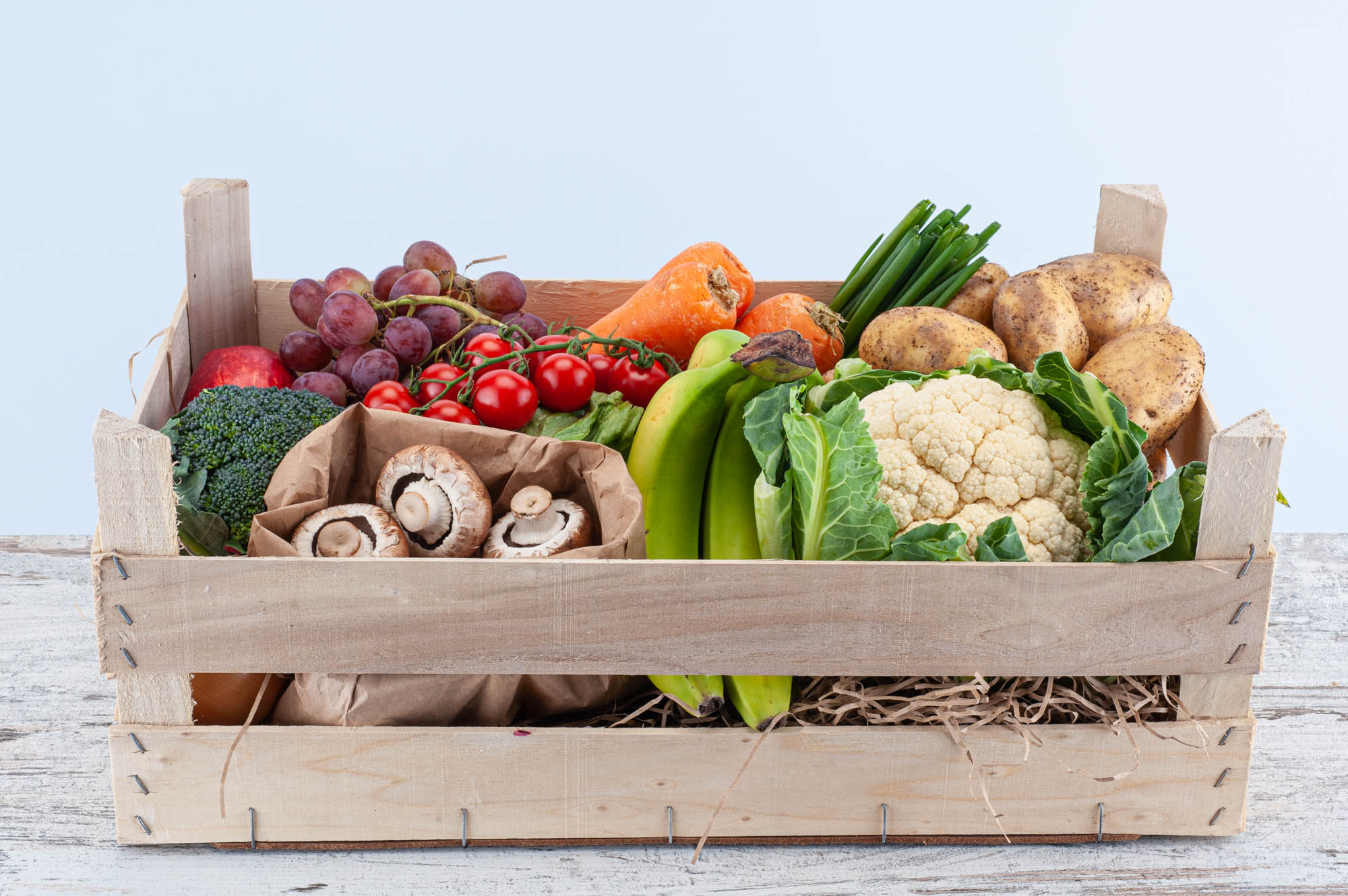 fruit and vegetable set box for two to four people