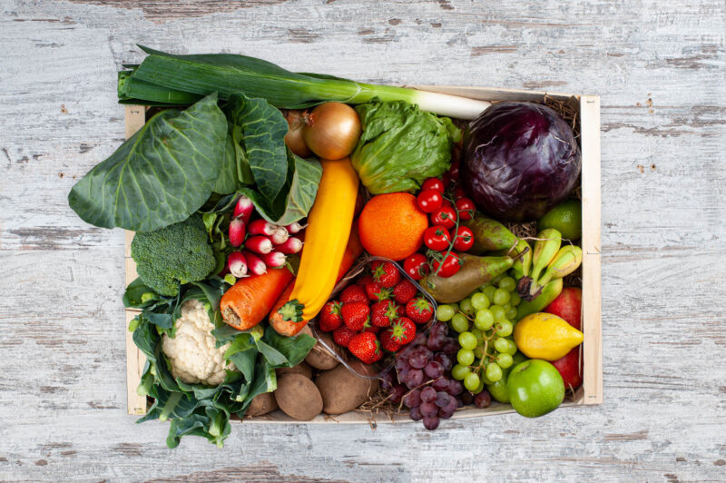 fruit and vegetable four to six people box